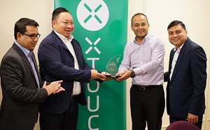 XTOUCH awarding Redington , the Best Strategic Partner for the year 2016.