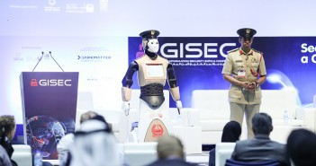Image 03 - Dubai Police launches the World's first operational robot policeman