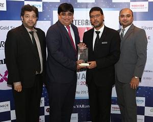 The Centra Hub team with the Emerging Vendor award